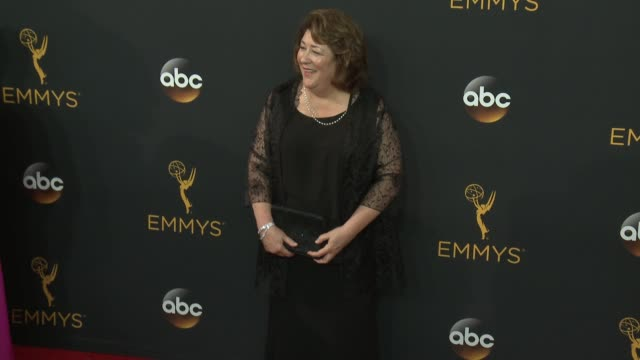 vídeos de stock, filmes e b-roll de margo martindale at the 68th annual primetime emmy awards arrivals at microsoft theater on september 18 2016 in los angeles california - primetime emmy awards