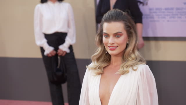 mo margot robbie at the once upon a time in hollywood premiere at tcl chinese theatre on july 22 2019 in hollywood california - hollywood stock videos & royalty-free footage