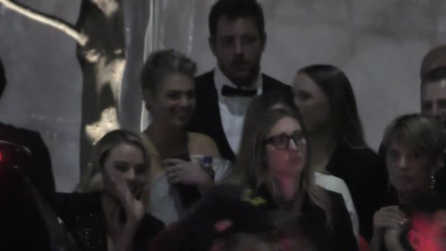 margot robbie & kate upton outside the vanity fair oscar party in beverly hills in celebrity sightings in los angeles, - oscar party点の映像素材/bロール