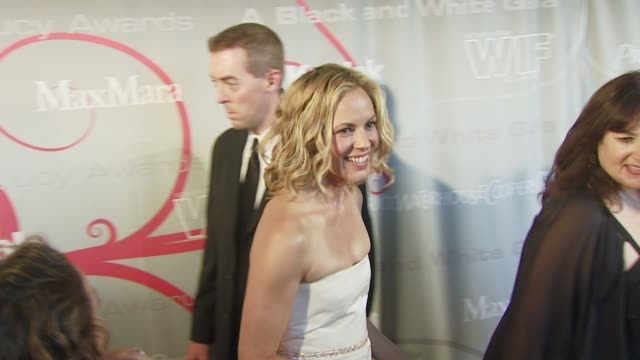 stockvideo's en b-roll-footage met maria bello at the 2008 crystal & lucy awards at los angeles ca. - maria bello