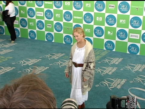 maria bello at the 20th annual independent spirit awards arrivals and interviews at santa monica in santa monica, california on february 26, 2005. - maria bello stock videos & royalty-free footage
