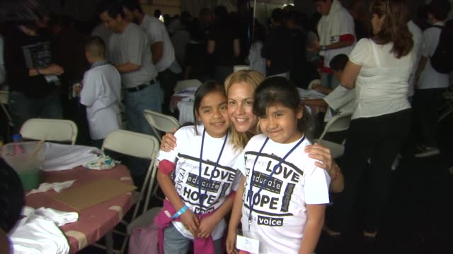 stockvideo's en b-roll-footage met maria bello at the 4th annual please mr. president workshop and fundraising event benefitting children mending hearts at los angeles ca. - maria bello