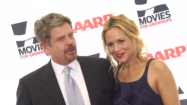 stockvideo's en b-roll-footage met maria bello at the aarp the magazine's 10th annual movies for grownups awards at beverly hills ca. - maria bello