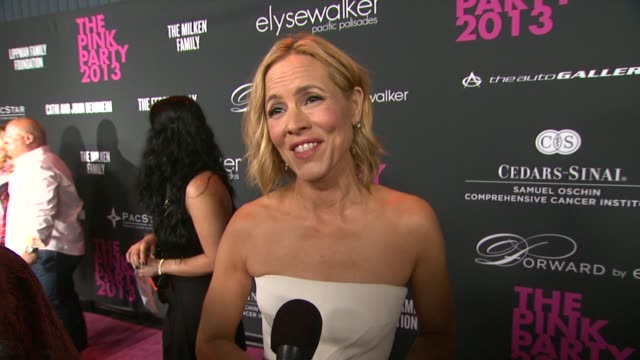 stockvideo's en b-roll-footage met maria bello on the event at elyse walker presents the pink party¨ 2013 hosted by anne hathaway to benefit the women's cancer program at... - maria bello
