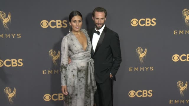 maria dolores dieguez joseph fiennes at the 69th annual primetime emmy awards at microsoft theater on september 17 2017 in los angeles california - emmy awards stock videos & royalty-free footage