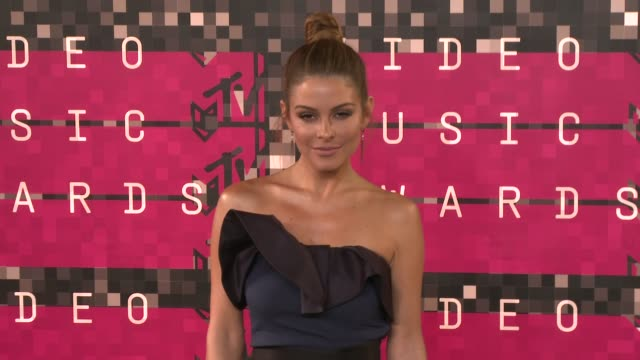maria menounos at the 2015 mtv video music awards at microsoft theater on august 30 2015 in los angeles california - mtv video music awards stock videos & royalty-free footage