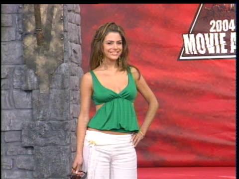 Maria Menounos walking the 2004 MTV Movie Award Red Carpet