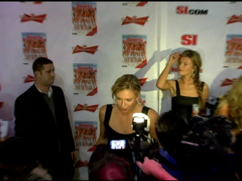 maria sharapova at the 2006 sports illustrated swimsuit issue photocall at crobar in new york new york on february 14 2006 - maria sharapova stock videos and b-roll footage