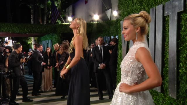 vidéos et rushes de maria sharapova at the 2013 vanity fair oscar party hosted by graydon carter maria sharapova at the 2013 vanity fair oscar part at sunset tower on... - vanity fair oscar party