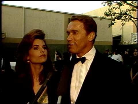 stockvideo's en b-roll-footage met maria shriver at the 1992 people's choice awards at universal studios in universal city, california on march 1, 1992. - people's choice awards
