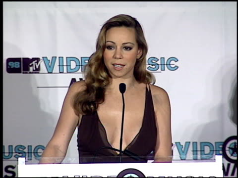 mariah carey at the 1998 mtv video music awards press room at universal amphitheatre in universal city california on september 10 1998 - mariah carey stock-videos und b-roll-filmmaterial