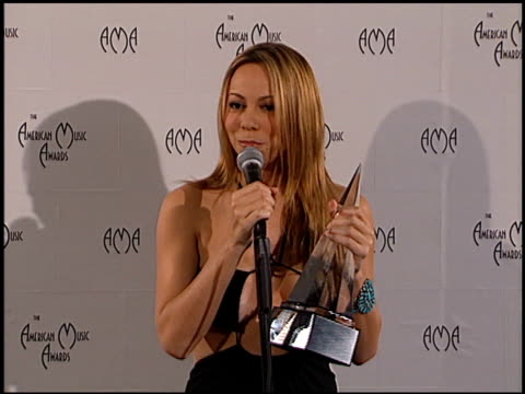 mariah carey at the american music awards 2000 at the shrine auditorium in los angeles california on january 17 2000 - mariah carey stock-videos und b-roll-filmmaterial
