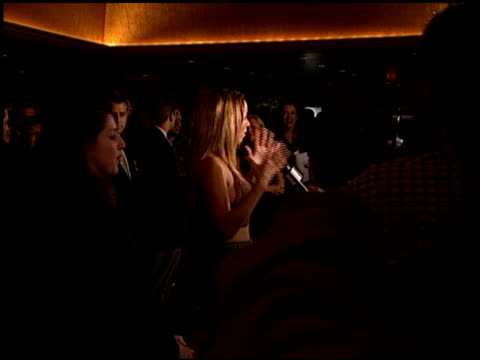 vidéos et rushes de mariah carey at the ms society dinner of champions at the century plaza hotel in century city california on september 9 1999 - 1999