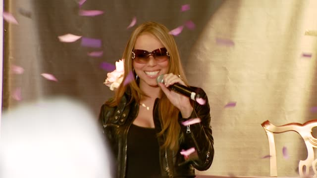 mariah carey saying 'hi' to fans and thanking them for coming at the mariah carey memorabilia donation and autograph session at the hard rock... - mariah carey stock-videos und b-roll-filmmaterial