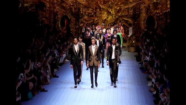 stockvideo's en b-roll-footage met mariano di vaio karry wang cameron dallas and other models walk the runway at the dolce gabbana show during milan men's fashion week spring/summer... - week