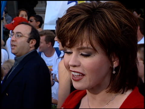 stockvideo's en b-roll-footage met marie osmond at the 'toy story 2' premiere at the el capitan theatre in hollywood california on november 13 1999 - 1999