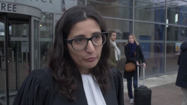 vidéos et rushes de marie-cecile nathan, lawyer of 29-year-old man named alexandre who was allegedly raped by a policeman with a baton in 2015, speaks to the media in... - avocat juriste