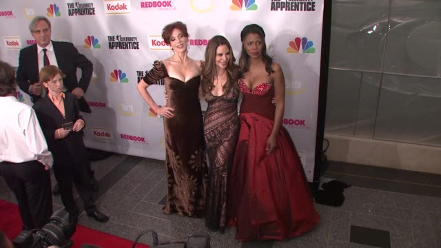 marilu henner nely galan and omarosa manigault stallworth at the finale of 'the celebrity apprentice' at rockefeller center in new york new york on... - omarosa manigault newman stock videos & royalty-free footage