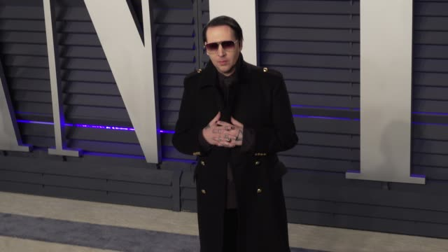 marilyn manson at 2019 vanity fair oscar party hosted by radhika jones at wallis annenberg center for the performing arts on february 24 2019 in... - マリリン マンソン点の映像素材/bロール