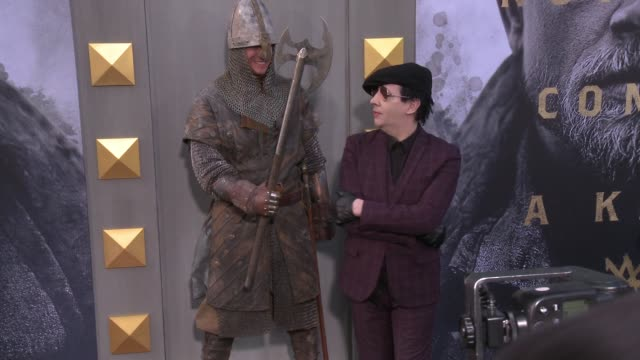 marilyn manson at the 'king arthur legend of the sword' premiere at tcl chinese theatre on may 08 2017 in hollywood california - マリリン マンソン点の映像素材/bロール
