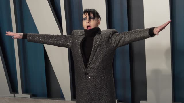 marilyn manson at vanity fair oscar party at wallis annenberg center for the performing arts on february 09 2020 in beverly hills california - マリリン マンソン点の映像素材/bロール