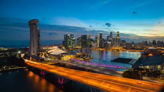vidéos et rushes de tl ws marina bay and singapore skyline - singapour