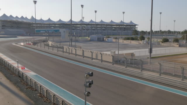 marina circuit, yas island, abu dhabi, united arab emirates, middle east, asia - sportstrecke stock-videos und b-roll-filmmaterial
