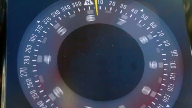 marine compass - kompass stock-videos und b-roll-filmmaterial