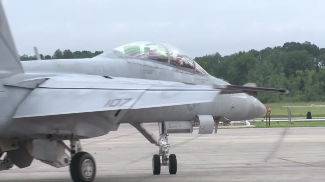 marine corps and navy f/a18 and f16 pilots participate in top gun jet fighter training aboard marine corps air station beaufort sc the pilots engaged... - general dynamics f 16 falcon stock videos & royalty-free footage