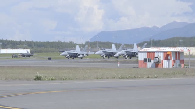 vídeos y material grabado en eventos de stock de us marine corps f/a18c hornets with marine fighter attack squadron 251 take off during red flagalaska 172 on joint base elmendorfrichardson alaska... - mp4