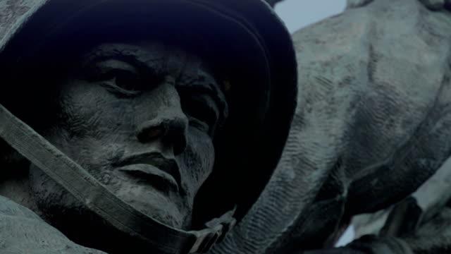 cu us marine corps war memorial - battle of iwo jima stock videos & royalty-free footage