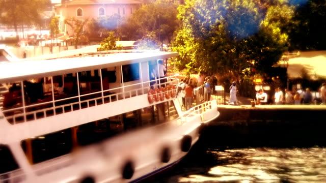 stockvideo's en b-roll-footage met mariene voertuigen en passagiers - rondrijden