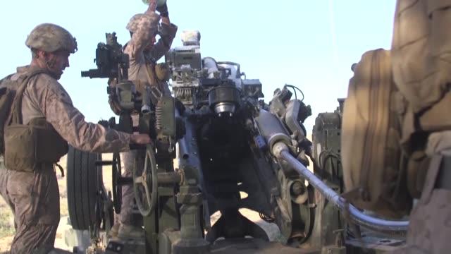 us marines assigned to battalion landing team 2nd battalion 6th marine regiment 26th marine expeditionary unit conduct training alongside israeli... - unbemanntes luftfahrzeug stock-videos und b-roll-filmmaterial