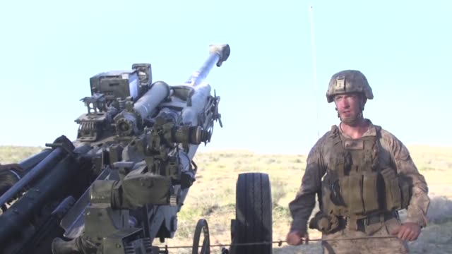 marines assigned to battalion landing team, 2nd battalion, 6th marine regiment , 26th marine expeditionary unit conduct training alongside israeli... - howitzer stock videos & royalty-free footage
