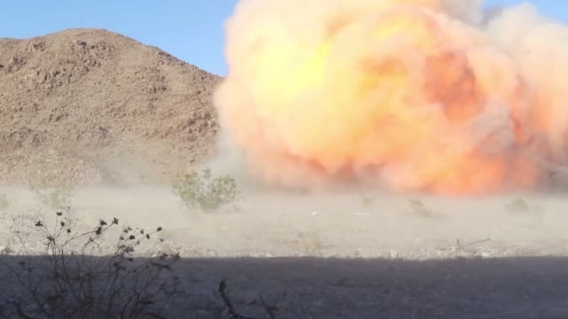 stockvideo's en b-roll-footage met us marines detonate explosive charges during an integrated training exercise at marine corps air ground combat center twentynine palms california... - munitie