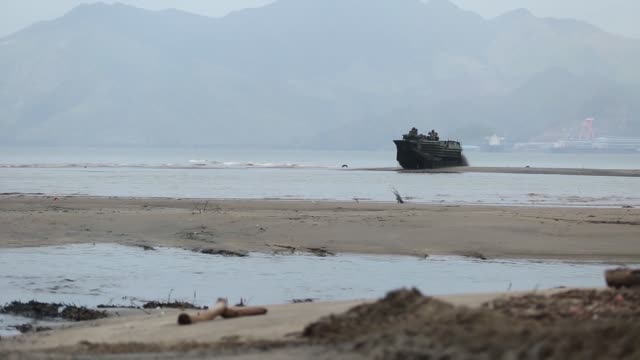 us marines philippine marine corps and the japan ground self defense force conduct ship to shore movements during the bilateral training exercise... - amphibious vehicle stock videos & royalty-free footage