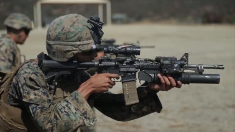 vídeos de stock e filmes b-roll de marines with 1st marine division take part in super squad competition at marine corps base camp pendleton, california. the competition tests the... - corpo de fuzileiros da marinha americana