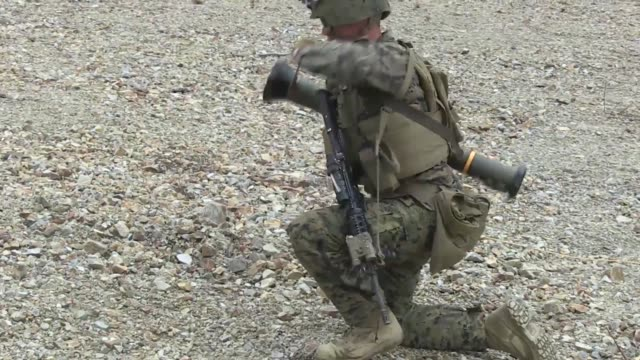 us marines with combined arms team 2 2nd battalion 3rd marines conducted various weapons training including the m136 ata46 in support of exercise... - militärisches trainingslager stock-videos und b-roll-filmmaterial