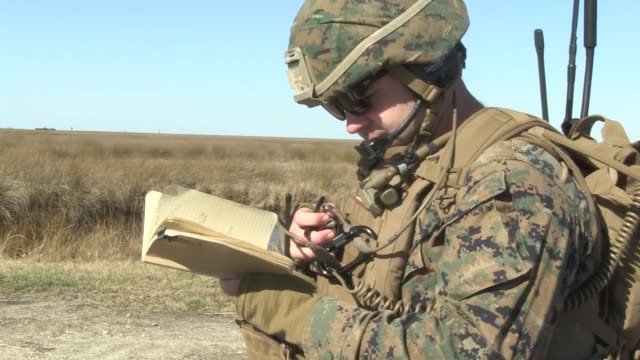 marines with company a., 1st battalion, 6t marine regiment, support tactical air control party with 60mm mortars at atlantic, n.c., jan. 25, 2018.... - us marine corps stock videos & royalty-free footage