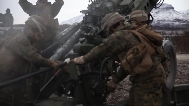 us marines with marine rotational forceeurope 191 conduct live fire training during exercise northern screen in setermoen norway november 1 2018 - united states marine corps stock-videos und b-roll-filmmaterial