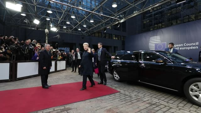 Mario Draghi president of the European Central Bank arrives at a summit of 27 European Union leaders in Brussels Belgium on Friday Dec 15 Dalia...