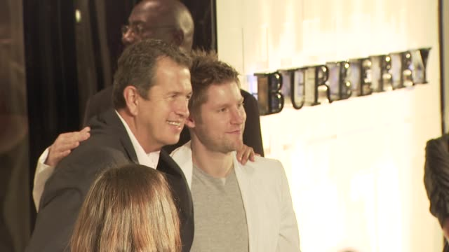 mario testino, christopher bailey at the burberry beverly hills store re-opening at los angeles ca. - beverly hills点の映像素材/bロール