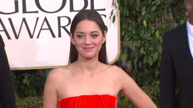 vidéos et rushes de marion cotillard at 70th annual golden globe awards - arrivals 1/13/2013 in beverly hills, ca. - golden globe awards