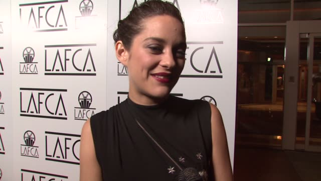 marion cotillard on how there is no stress with this award show or any award show, whether the film critics are any more special than others, how she... - kritiker stock-videos und b-roll-filmmaterial