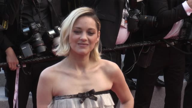 marion cotillard on the red carpet for the premiere of le grand bain at the cannes film festival 2018 sunday 13 may 2018 cannes france - 71st international cannes film festival stock videos & royalty-free footage