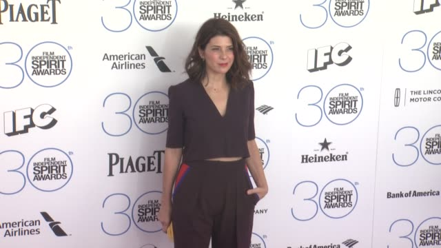 marisa tomei at 30th annual film independent spirit awards - arrivals at santa monica beach on february 21, 2015 in santa monica, california. - marisa tomei stock videos & royalty-free footage