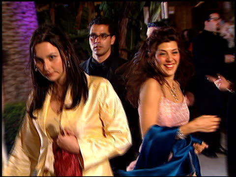 marisa tomei at the 1999 academy awards vanity fair party at morton's in west hollywood california on march 21 1999 - 71st annual academy awards stock videos & royalty-free footage