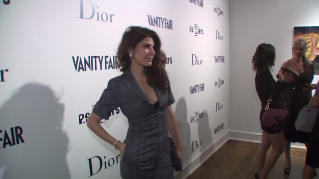 marisa tomei at the vanity fair and dior host kimberly brooks' 'the stylist project' exhibition at west hollywood ca. - marisa tomei stock videos & royalty-free footage