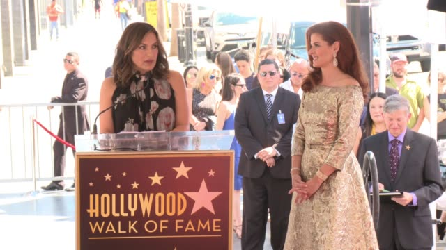 SPEECH Mariska Hargitay at Debra Messing Honored with a Star on the Hollywood Walk of Fame on October 06 2017 in Hollywood California