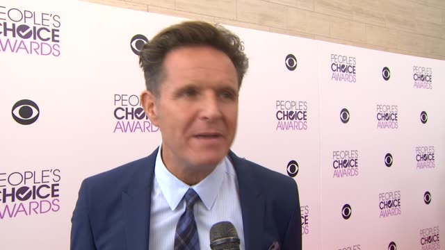 interview mark burnett on fans being able to vote for their favorites and the hosts at the 2014 people's choice awards nominations announcement in... - people's choice awards stock videos & royalty-free footage